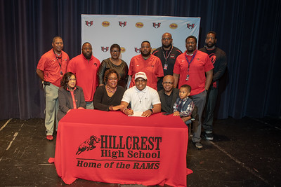 Signing day 20190206_063
