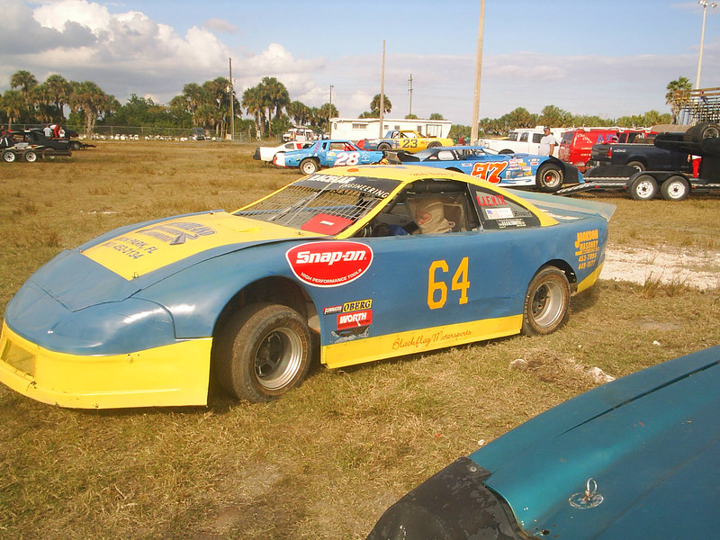 November 25, 2006 New Henry County Speedway Practice<br /> Mike Budka # 64, Mike use to run Fonda Speedway, and moved to FL still keeping in touch