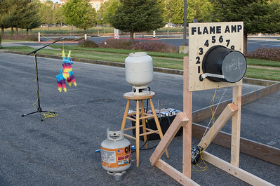 The winner of the last car moving will be the operator of the Flame Amp - it doesn't look good for the pinata.
