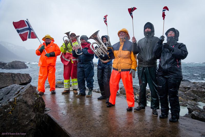 Nyksund enthusiasts on the jetty