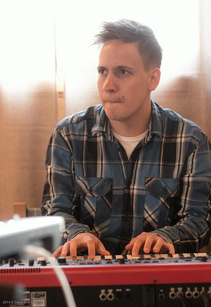 Øystein Myrvoll on keyboard
