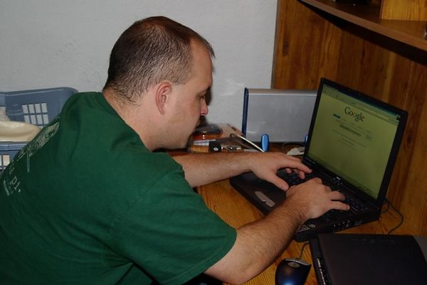 "<font size=""3"">Eric goes searching on the Internet</font>"