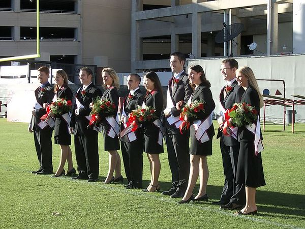 """<font size=""""3"""">The full homecoming court before the ceremony</font>"""