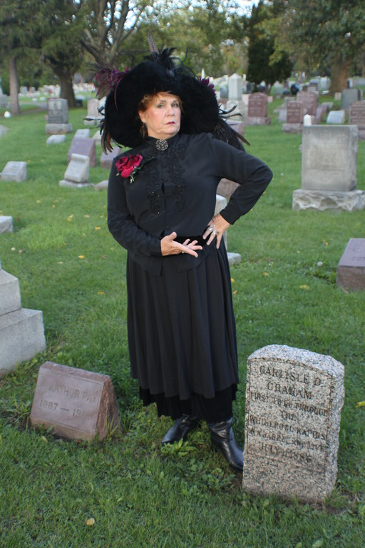 Annie Edson Taylor supposedly never cared for fellow dare devil Carlisle Graham.  And he likewise.  Here, Bad Annie shows her disdain for Graham.  It's ironic that the two would end up next to each other for eternity, both in graves donated by the cemetery.