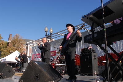 DK & Friends, featuring Danny Klein, a founding member of the J. Geils Band (foreground, wearing hat) on bass.