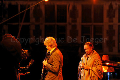 "Barbara Hendricks in concert on a floating podium/stage on the river ""Leie"" between the Graslei and Korenlei in Ghent (Gent), Belgium. She brought jazz with the Magnus Lindgren Quartet performing the ""Billie and the Blues"" program. Since her jazz debut at the Montreux Jazz Festival in 1994 she performes regularly in renowned jazz festivals throughout the world with the Magnus Lindgren Quartet. She has received numerous awards for her artistic achievements and humanitarian work. In addition to her busy concert and opera schedule in Europe and in the United States, she alternates every other year with extensive tours to the Far East or Latin America and performs regularly at international music festivals worldwide. She appeared at all major opera houses throughout the world, including the Paris Opera, the Metropolitan Opera, Covent Garden and La Scala with more than 20 roles in her active opera repertoire. Barbara Hendricks has performed her extensive orchestral repertoire with all of the leading conductors and orchestras of our time. She is one of today's best-selling recording artists and has made nearly 80 recordings with conductors such as Barenboim, Bernstein, Davis, Dorati, Giulini, Haitink, Karajan, Maazel, Mehta, Sawallisch and Solti."