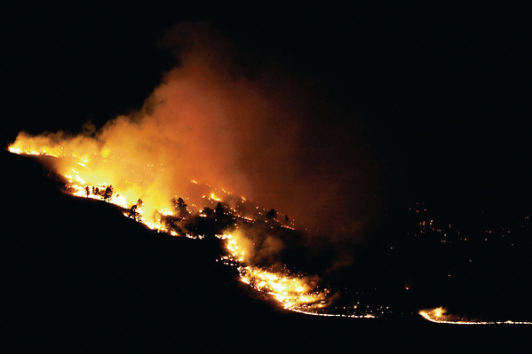 N0108FIRE093_K.jpg Flames spread slowly on Dakota Ridge north of Boulder on Wednesday, Jan. 7, 2008.<br /> CAMERA / KASIA BROUSSALIAN