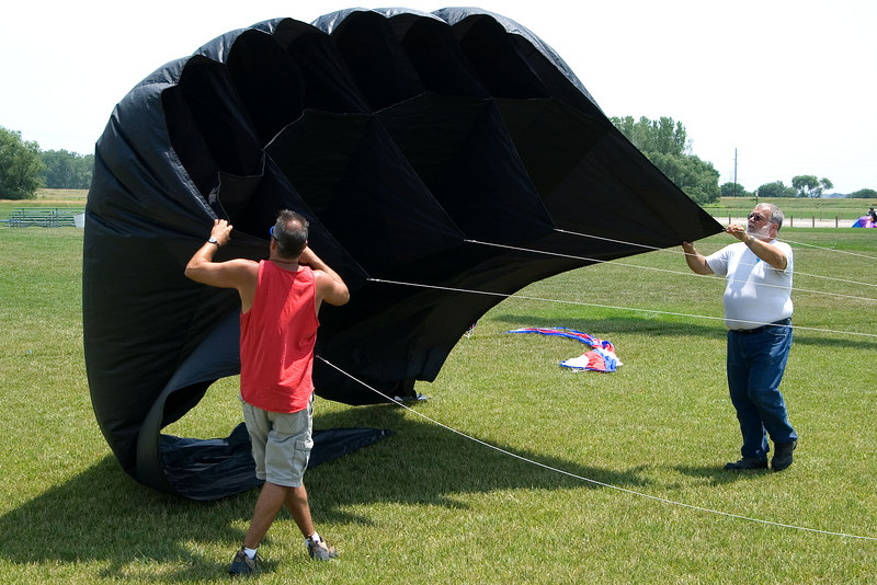 """<font size=""""3"""">All the kites weren't Red, White and Blue.</font>"""