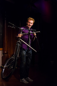 TRIGG Watson - On the missing half of a unicycle and disappearing ping pong balls Open Stage 120716 0354