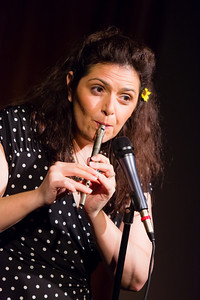 Jenn Davis - Playing Anything on Her Pipe (Blister in the Sun) Open Stage 120716 0434
