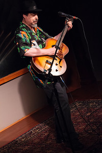 Wayne Greene - A little Bob Coltman Open Stage 130520 0306