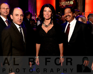 His Excellency Mr. Akba Al Baker (CEO, Qatar Airways), Lisa Markovic (Country Manager, QATAR AIRWAYS) and Pali Kapoor (TransamTravel, President & CEO)