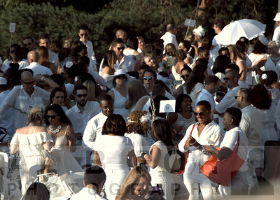 Aug 18, 2016 Le Diner en Blanc 2016 @ The Art Museum