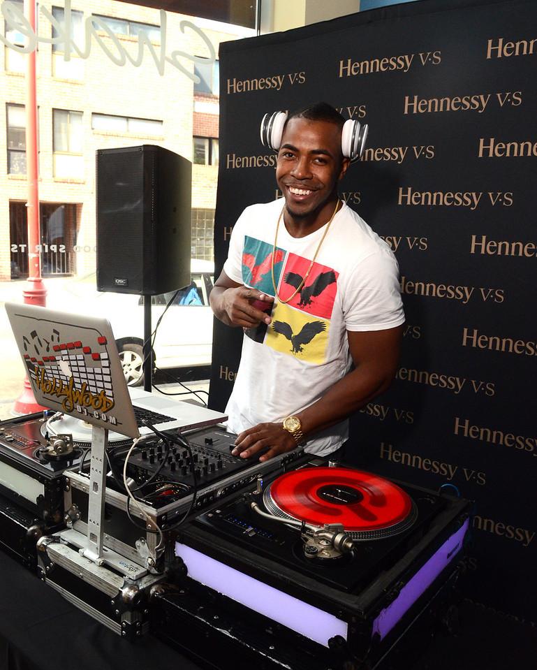 Signing / Wine & Good Spirits, DJ Hollywood
