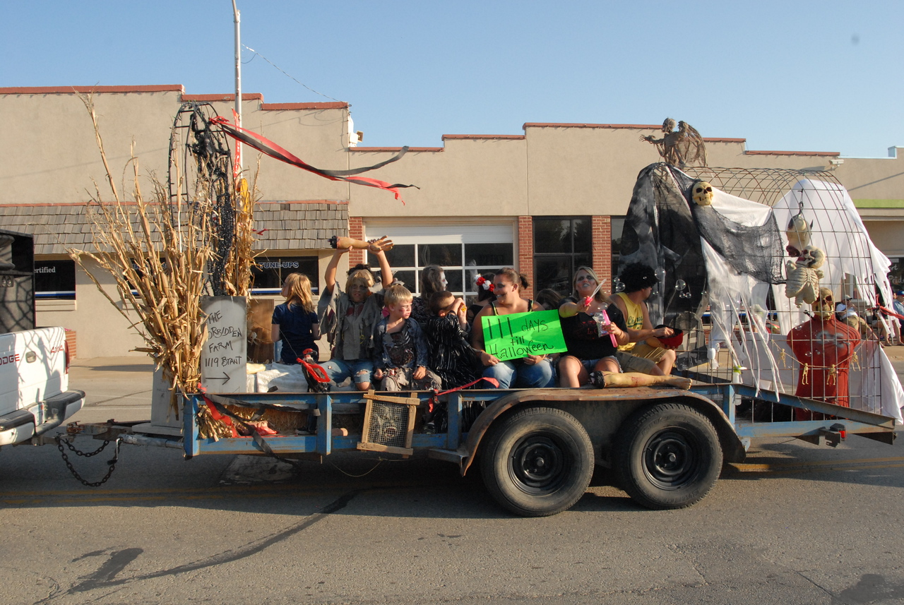 Third-place float - Forbidden Farm.
