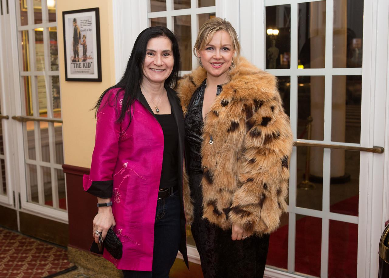5D3_7899 Elena Moffly and Olga McLeod