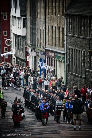 Marching up the Royal Mile