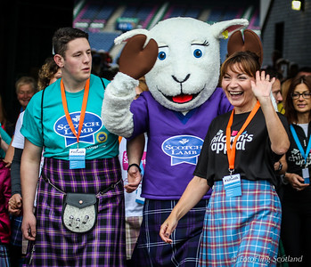 Lorraine Kelly at the 2016 Edinburgh Kiltwalk