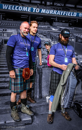 Outlander Team at Edinburgh Kilt Walk 2014