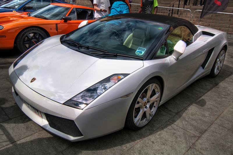 Lamborghini-Sheffield-City-Hall-HDR