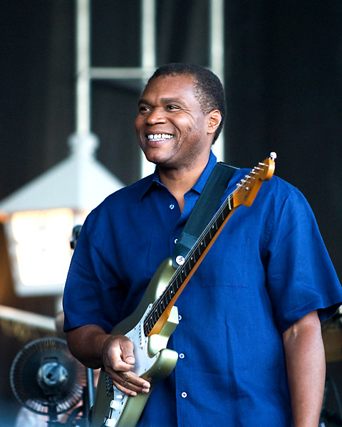 Robert Cray - About to get started at Ottawa Bluesfest 2007