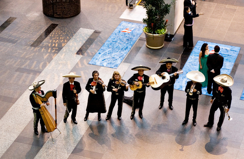 Mariachi band at the at Hispanic Caucus Gala September 16, 2009