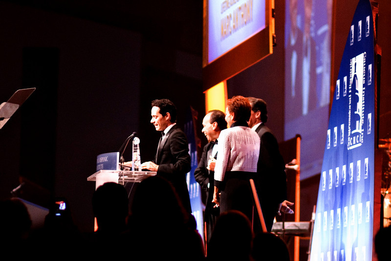 Marc Anthony receiving Lifetime Achievement Award at the Hispanic Caucus Gala on September 16, 2009