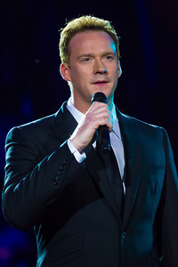 Russell Watson 'Bridge Over Troubled Waters'
