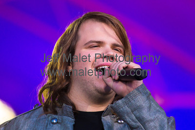 "Caleb Johnson, the new ""American Idol"" champion, sings the National Anthem"