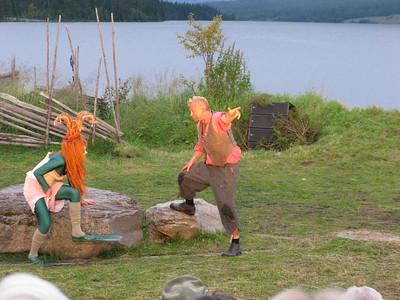 """""""PEER GYNT"""" ved Gålåvatnet 05/08/2011    Peer Gynt: Dennis Storhøi     Den Grønnkledde: Charlotte Frogner  www.peergynt.no www.peergynt.no/english ---  Foto: Jonny Isaksen"""