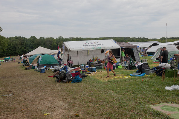 Campers packing up to go home. (Howard Pitkow/for Newsworks)