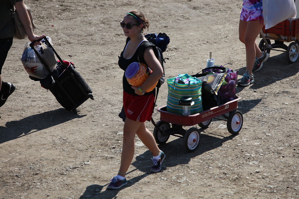 Load in time at the Philly  Folk Festival  camp ground. (Howard Pitkow/for Newsworks)