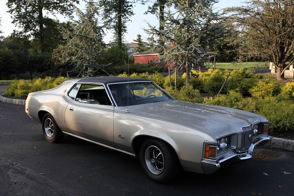 A 1971 Mercury Cougar XR7 show car is raffled off to one lucky winner at the Swing Away Alzheimer's Challenge for Charity golf tournament.