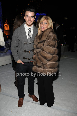 Kevin Jonas, Cheryl Mercuris photo by Rob Rich © 2011 robwayne1@aol.com 516-676-3939