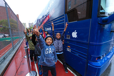 2016_09_30, Bronx, NY, Apple, Bus, exterior