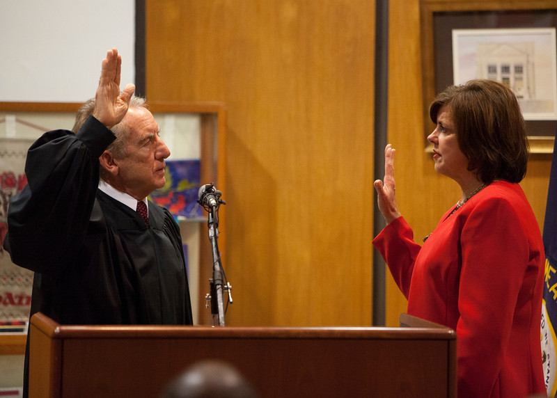 Kentucky Supreme Court Justice Bill Cunningham and Mayor Gayle Kaler