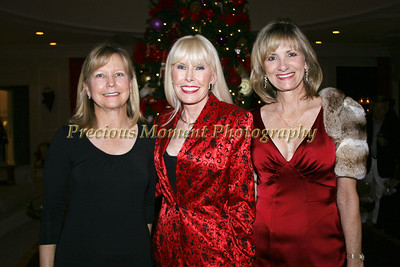 IMG_0800 Rebecca O'Neill,Loreen Farish & Sharon Domino