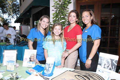 IMG_0517 Kelly Adamo,Alicia & Dr Angela deFabrigue,Rachel McKenzie