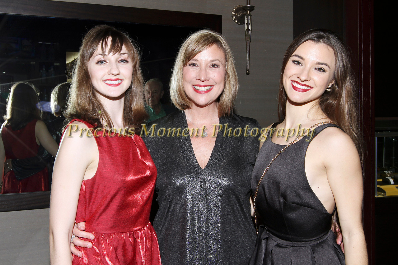 IMG_6067 Leah Heller, Sandy Aradi & Madeleine Miller