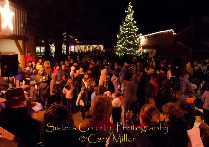 Sisters Christmas Tree Lighing Ceremony 2010 - Gary Miller