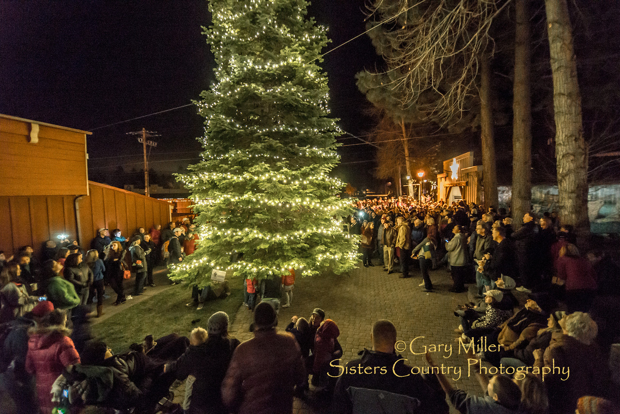 Christmas Tree Lighting Ceremony 2013, Sisters, Oregon - Copyright © 2013 Gary N. Miller, Sisters Country Photography