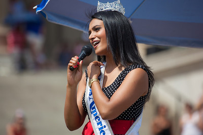 "Miss America 2014 Nina Davuluri sings ""God Bless America""  A native of Syracuse, New York, Nini Davuluri was crowned Miss America on September 15, 2013. Her personal platform issue is celebrating diversity through cultural competency, with a goal of attending medical school and becoming a physician following her reign."