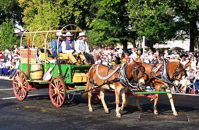 Mule pulling wagon Pendleton RoundUp Parade, 2010