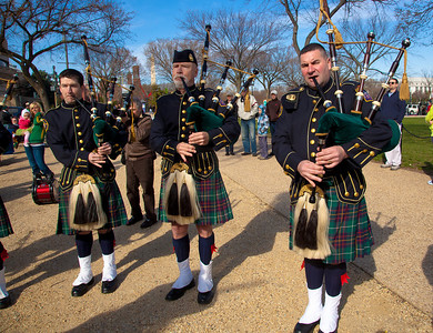 DISTRICT OF COLUMBIA FIRE DEPARTMENT EMERALD SOCIETY PIPES & DRUMS
