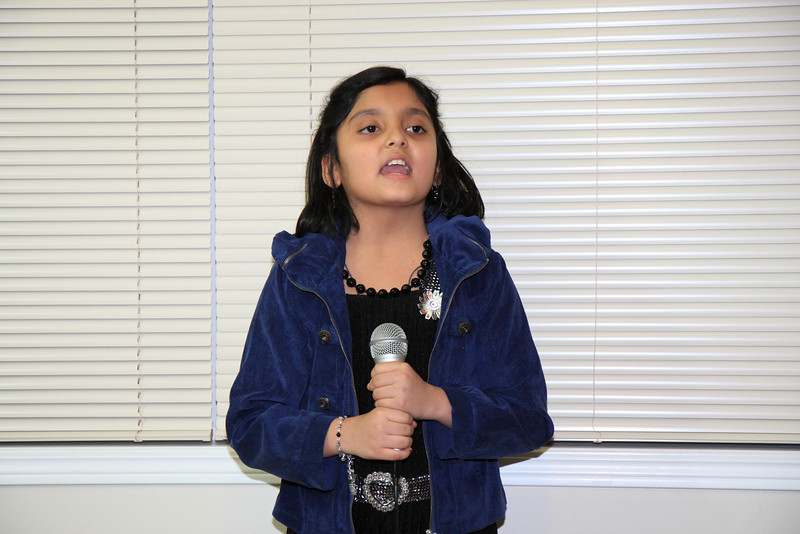 Khushbu singing on Zoobie Doobie