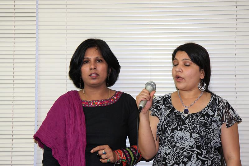 Urvi & Meenaji performing Ganesh Stuti & Saraswati Vandana