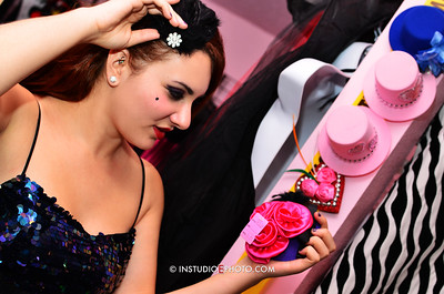 Candy Muldune checking out the head-bling at Kinky-Kitty.