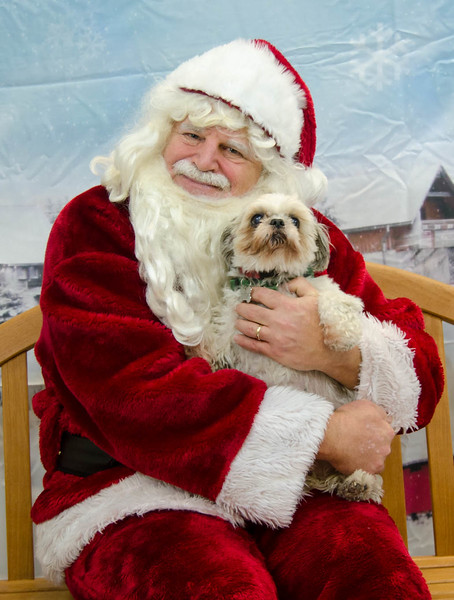 2017 - 12 - Santa Paws Photos