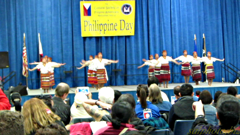 "Philippine Day 2016: Performance Pt. 1 & food (Maplewood, Minnesota<br /> <a href=""https://youtu.be/Cj9B6uV4ix8"">https://youtu.be/Cj9B6uV4ix8</a>"