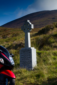 17. Waterford 1987 air crash memorial cross on the Vee, 10K N of Lismore